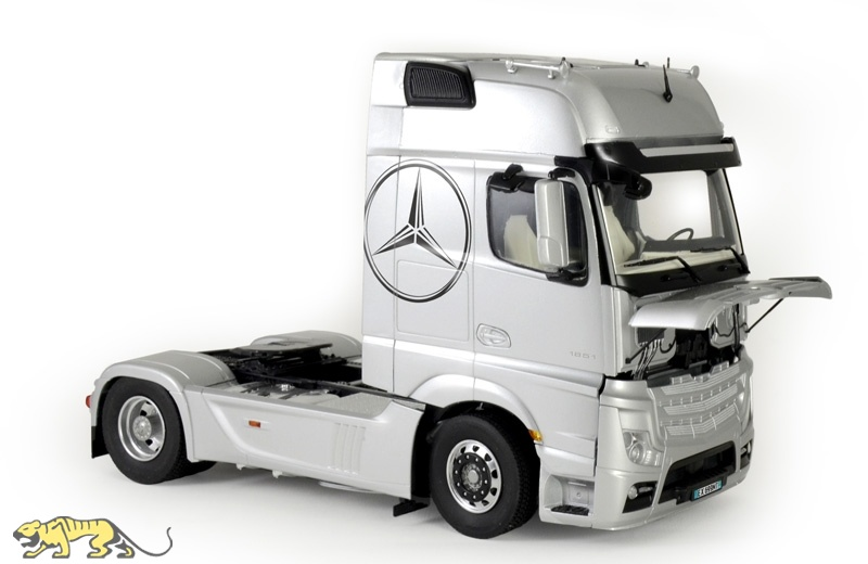 mercedes benz actros mp4 gigaspace 1 24 italeri it3905. Black Bedroom Furniture Sets. Home Design Ideas