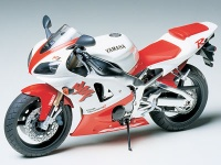Yamaha YZF-R1 - 1/12