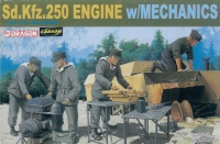 Sd.Kfz. 250 Engine wih Mechanics - 1:35