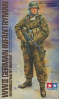 German Infantryman with reversible Winter Uniform 1:16