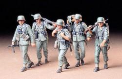 German Machine Gun Crew -