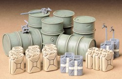 German Fuel Drum and Jerry Can Set - 1/35