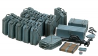 German Wehrmacht Jerry Can Set - Early Type w/ accessories - 1/35