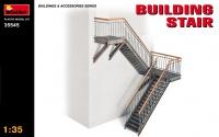 Gebäude Seitentreppe mit Winkel - 1:35
