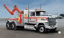 US Wrecker Truck - 1/24