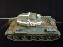 T-34/85 - Kurland, Ostfront 1944 - Fertigmodell
