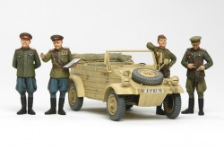 Russischer Beutekübelwagen mit 4 Figuren - 1:35